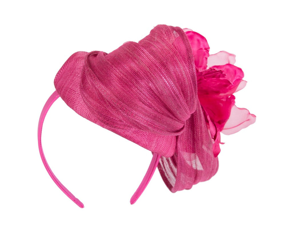 Astonishing fuchsia pillbox racing fascinator by Fillies Collection