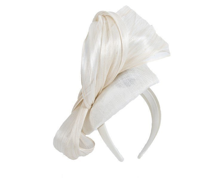 Cream pillbox fascinator with silk abaca bow by Fillies Collection
