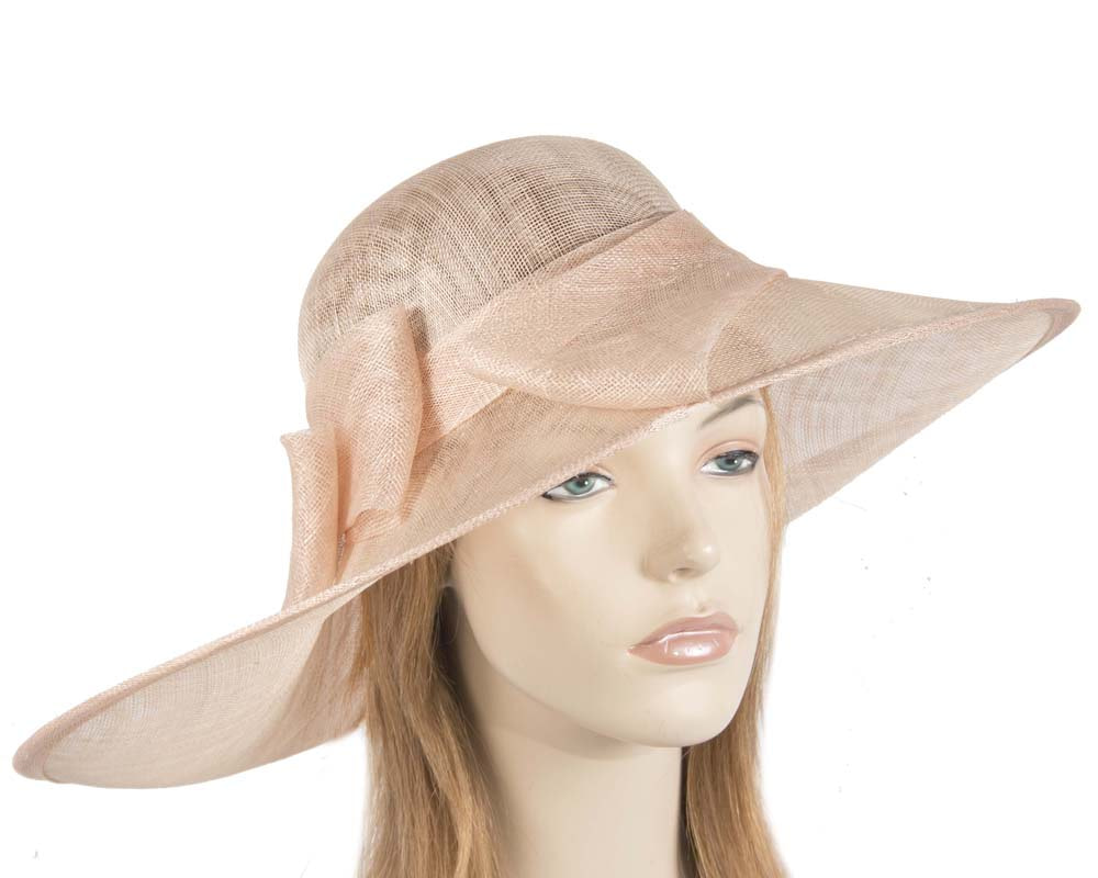Wide brim nude hat
