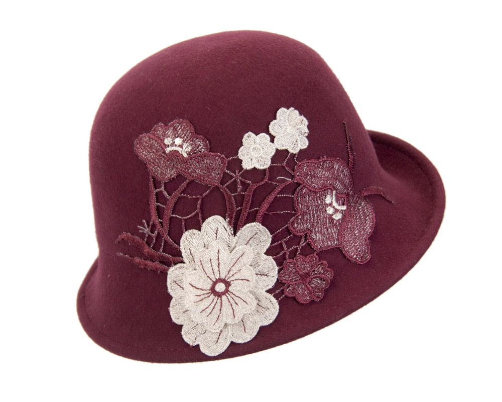 Wine winter bucket hat with lace