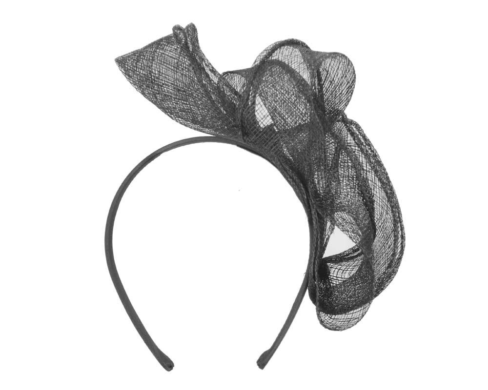 Pleated black fascinator