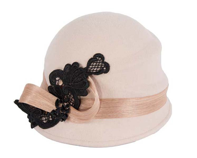 Beige cloche hat with lace trim