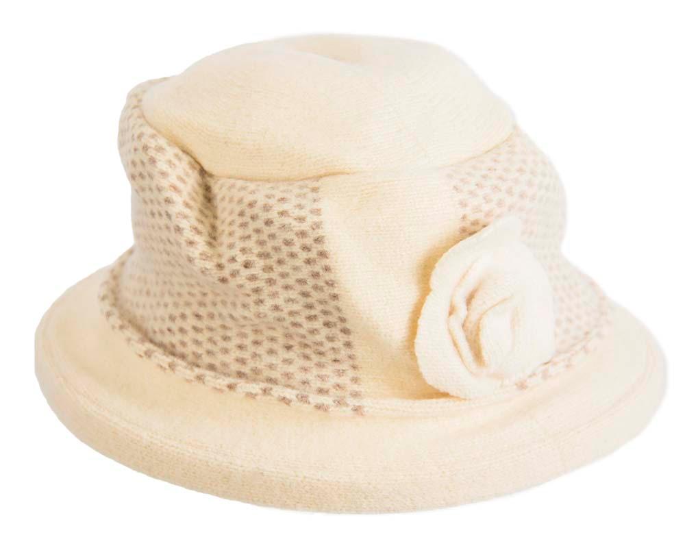 Soft cream & beige winter bucket hat by Max Alexander