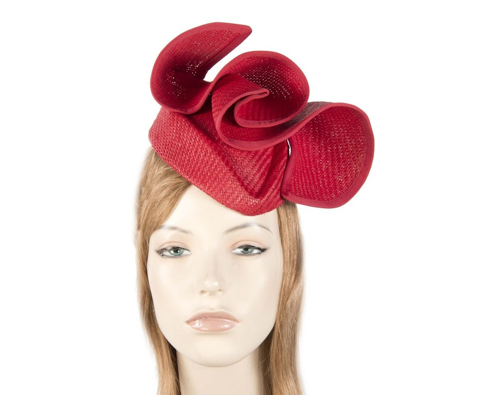 Elegant red pillbox fascinator