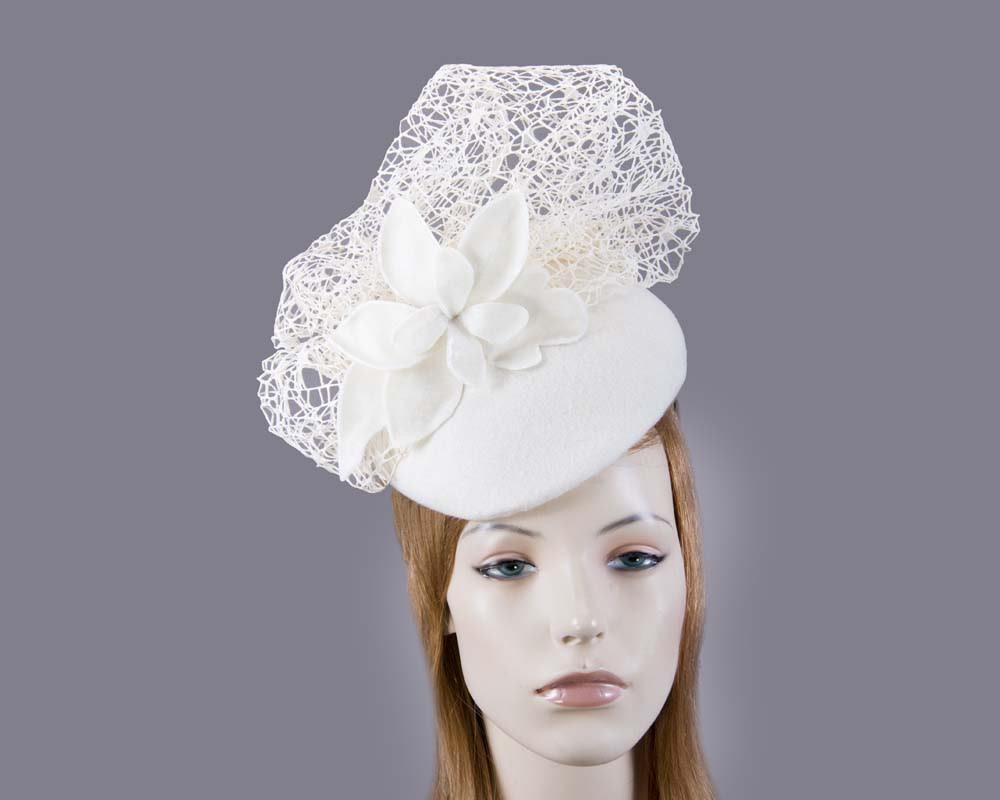 Cream winter beret fascinator