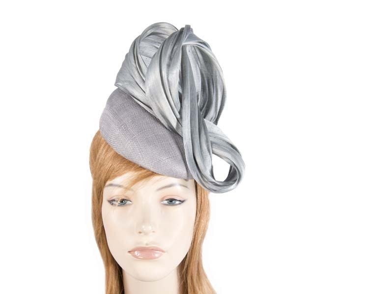 Silver pillbox fascinator with silk abaca bow by Fillies Collection