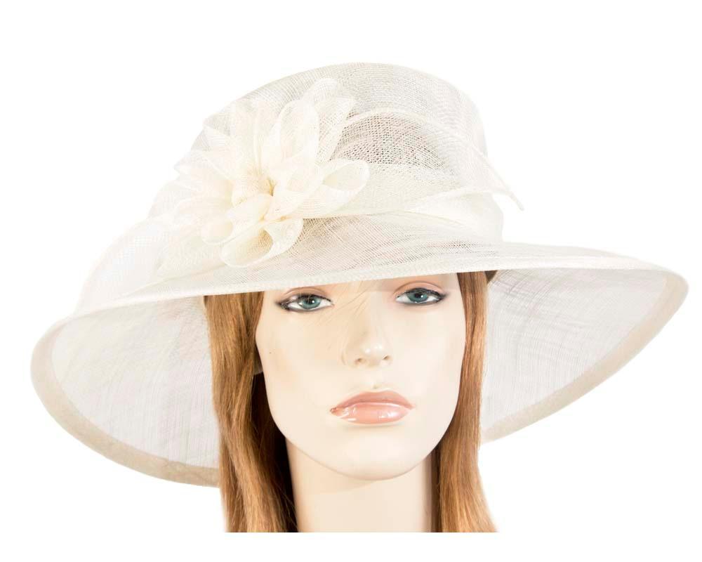 Large cream fashion hat