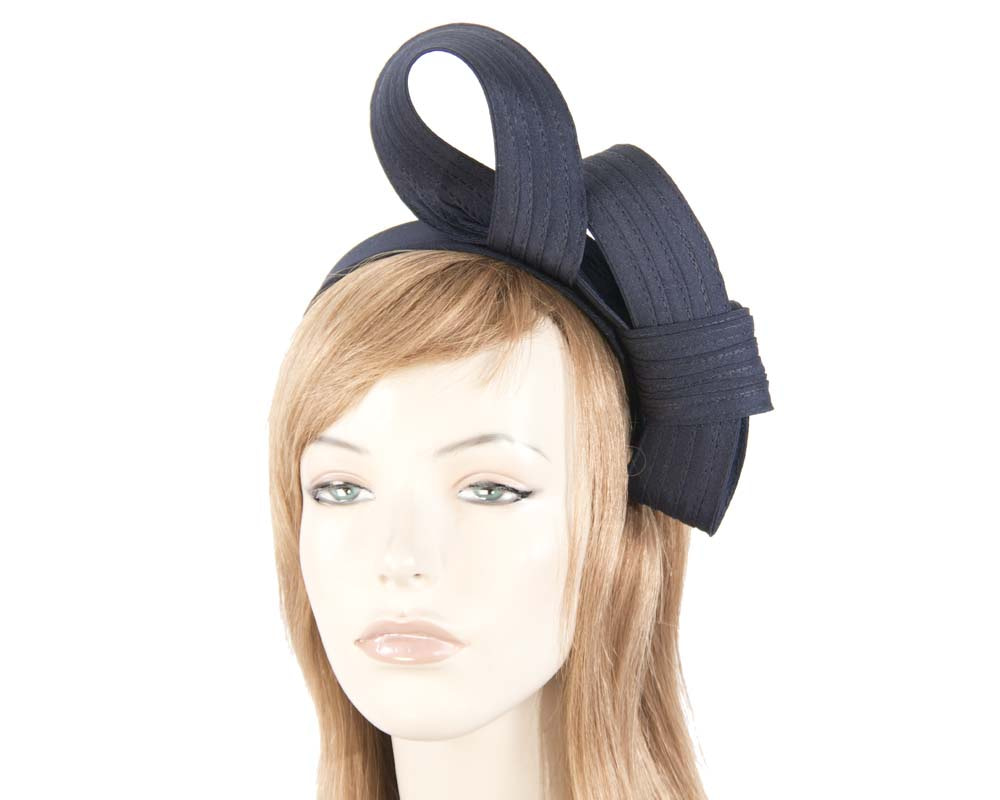 Curled navy fascinator