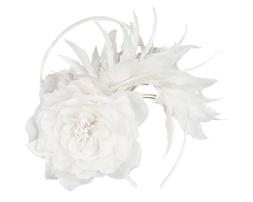 Cream flower & feathers fascinator