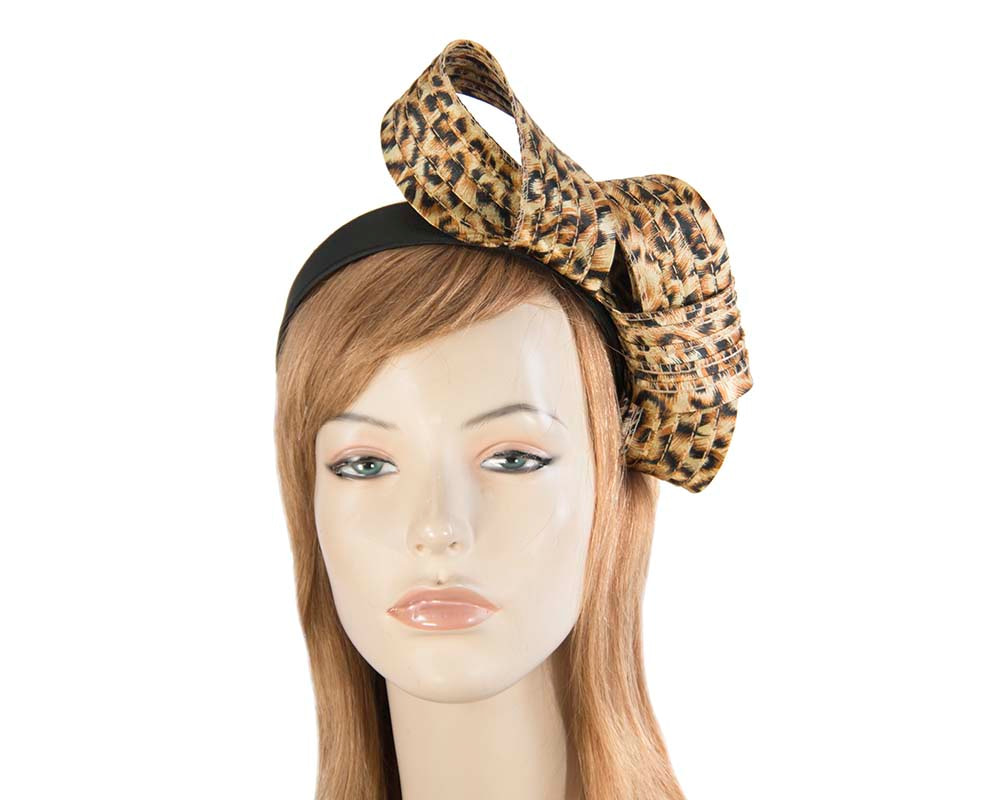 Curled leopard fascinator
