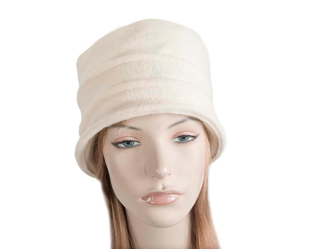 Warm cream winter bucket hat by Max Alexander