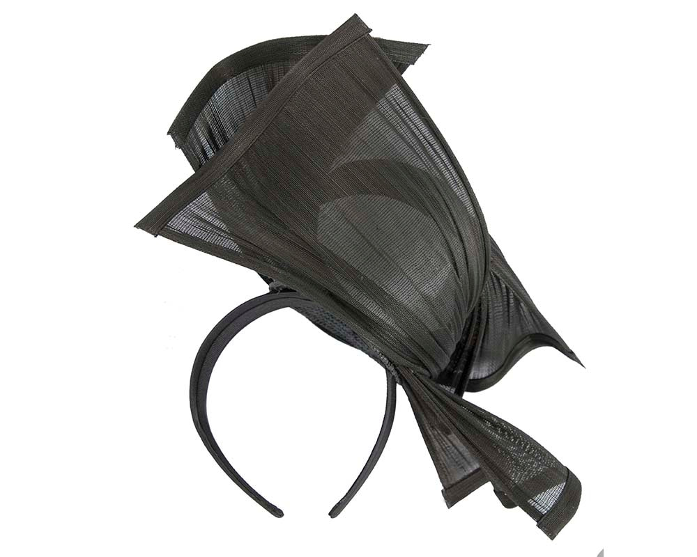 Bespoke black jinsin racing fascinator by Fillies Collection