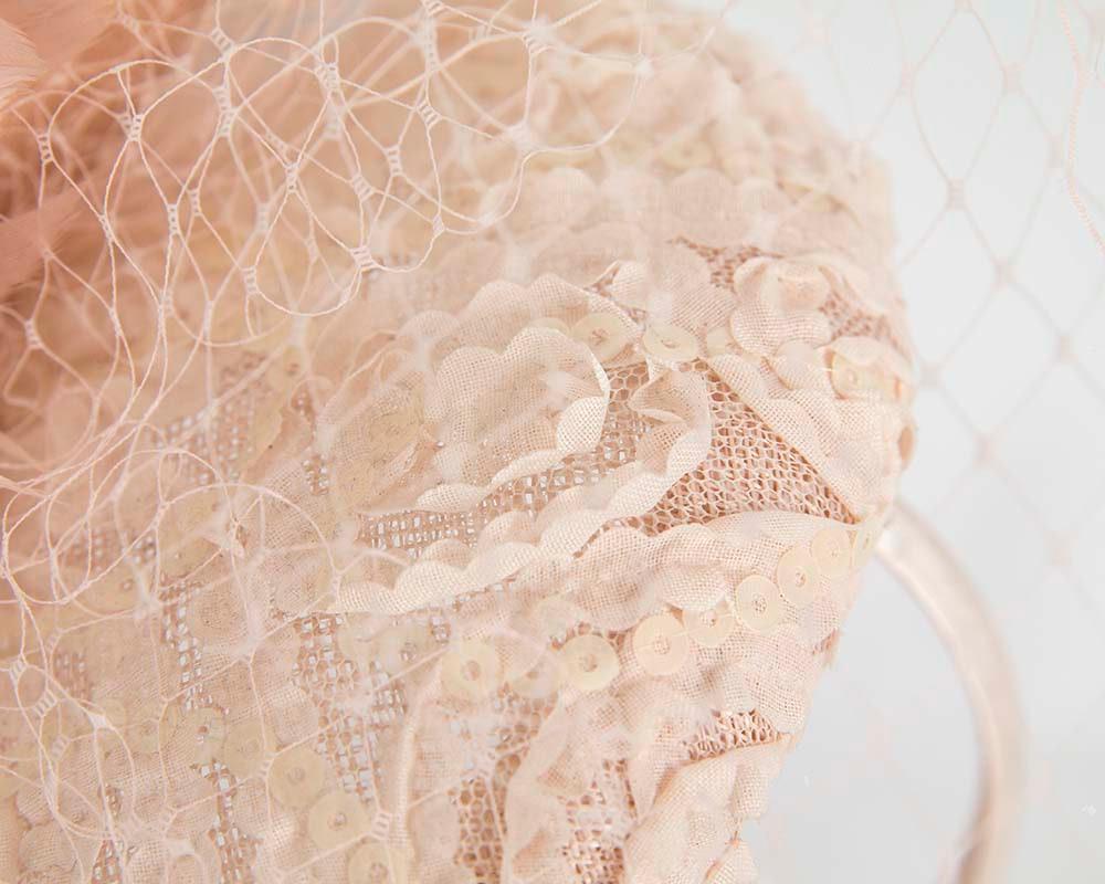 Blush pillbox with face veil