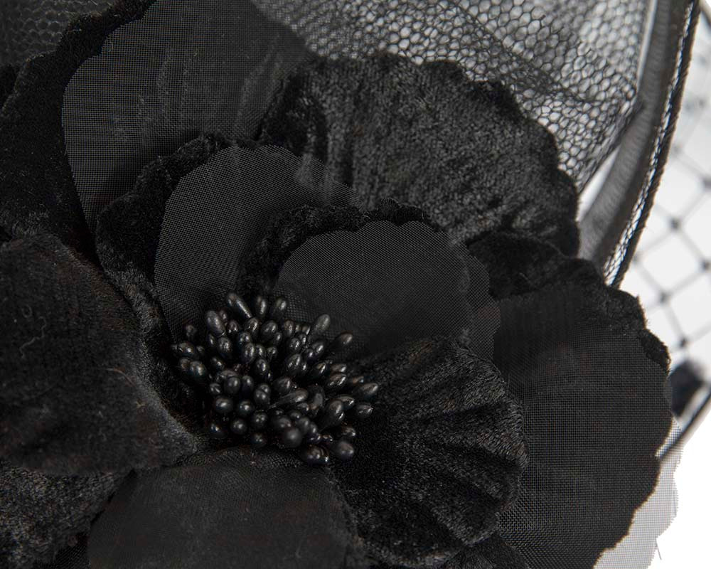 Bespoke black fascinator by Fillies Collection