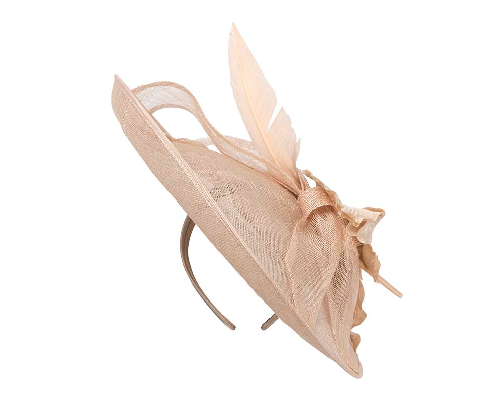 Large nude fascinator by Cupids Millinery
