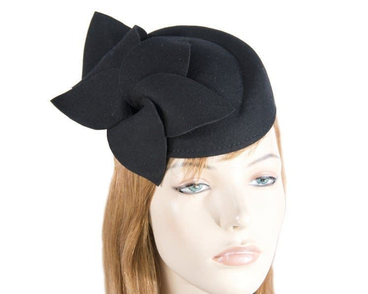 Black felt pillbox fascinator