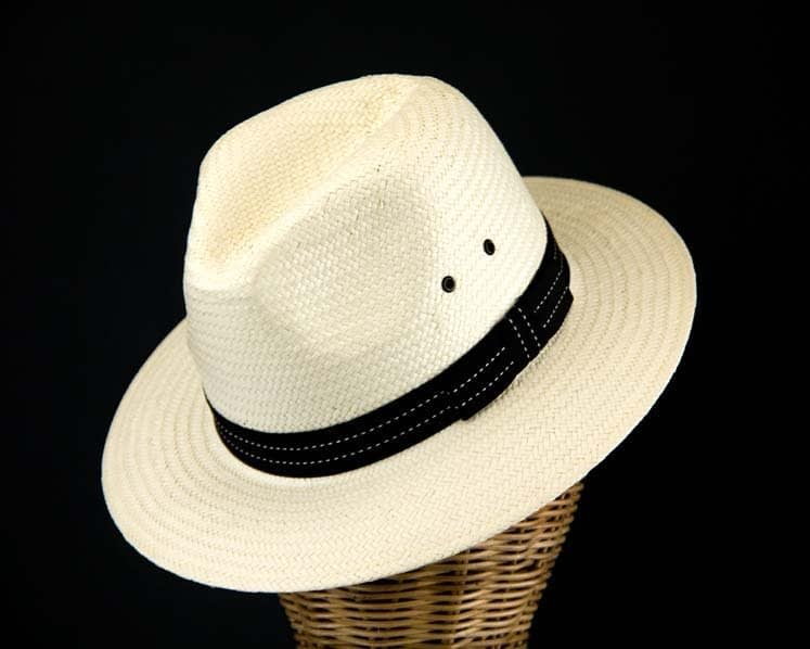 White summer gangster hat M101